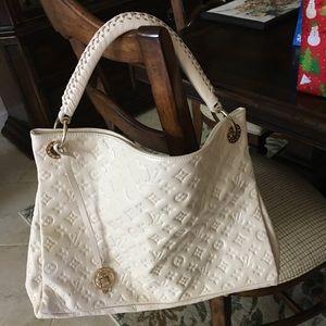 Handbags - Off white handbag